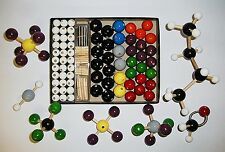 ADVANCED MOLECULAR MODEL SET (Wooden Atoms)
