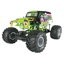 NEW Axial Racing SMT10 Grave Digger 4WD RTR Monster Truck w/ 2.4gHz Radio AX9005
