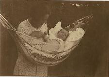 PHOTO ANCIENNE - VINTAGE SNAPSHOT - ENFANT BÉBÉ HAMAC SOMMEIL SIESTE - BABY NAP