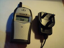 ERICSSON T20S RETRO MOBILE PHONE ON T-MOBILE/VIRGIN WORKING +CHARGER