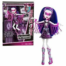 Monster High Power Ghouls Spectra Vondergeist as Polterghoul Y7300