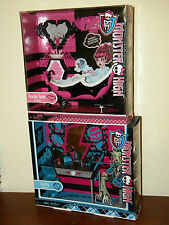 2 Monster High Furniture Sets Frankie Stein Vanity & DracuLaura Powder Room NRFB