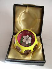 PERTHSHIRE 1ST TRIPLE OVERLAY YELLOW PAPERWEIGHT 1977C BOX / CERT. No 97/347