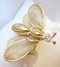 Butterfly Vintage Design fashion brooch Gold Tone & Mesh Spring loaded wings