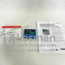 NEW Honeywell R7847A1082 UV Rectification Flame Amplifier 7800 Series