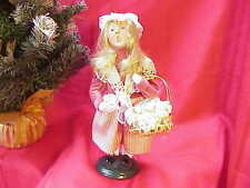 2007 Byers Choice Carolers Blonde Girl with Basket of Lace  Perfect! b129