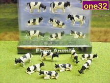 PACK OF EIGHT HO / 00 SCALE FRIESIAN COWS IDEAL MODEL RAILWAY SCENERY *NEW*
