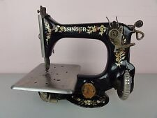Antique 1917 Singer Sewing Machine Model 25-52 Hats Stitching 24 RARE