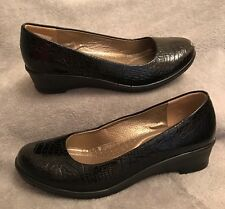 New. Gorgeous Black Croc Patent Wedges. Size 4