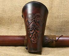 Bogenstulpe Keltische Fabelwesen Prägung Leder braun ARMSCHUTZ Stulpe Viking