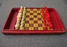 ANTIQUE EARLY 1900 TRAVEL PEGGED GALALITH CHESS SET LINED WOODEN BOX- BOARD