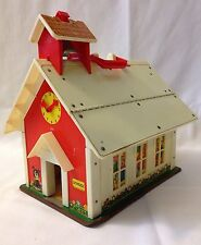 Vintage 1971 Fisher Price Little People Play Family School House Toy # 923