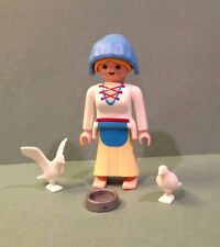 PLAYMOBIL MEDIEVAL LADY WITH DOVES Dove Girl 4526 Special ~ Complete ~ Castle