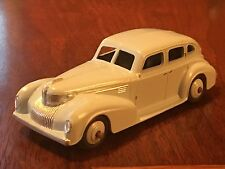 39E Dinky 1939 Chrysler Royal Sedan, Die Cast Car, Meccano Ltd