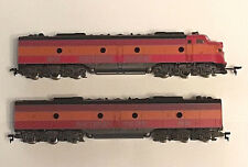 Two IHC HO E8 Southern Pacific Daylight engines in excellent condition