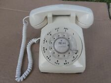 VINTAGE WESTERN ELECTRIC ROTARY DIAL  PHONE WITH VOLUME CONTROL NO.500DM 1978
