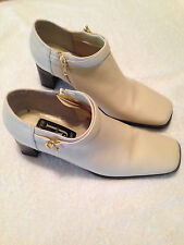 AJ Valenci Ivory Leather Chunky Heel Zipper Ankle  Boots  Shoes SZ 6 M 894144