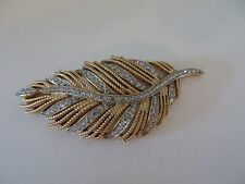 TRIFARI RHINESTONE? LEAF PIN BROOCH GOLD TONE BEAUTIFUL ESTATE ITEM VINTAGE EUC