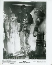 YAPHET KOTTO ALIEN  RIDLEY SCOTT 1979 VINTAGE PHOTO ORIGINAL #1