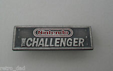 Nintendo LO SFIDANTE RARO Vintage Smalto Metallo pin badge pin NES Club COMICS