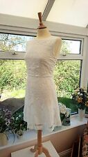 H&M WHITE PATTERNED LACE FITTED SHEATH DRESS SIZE 14 IN GREAT CONDITION