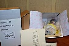 DISNEY BABY SNOW WHITE by MARIE OSMOND from TINY TOT COLLECTION MINT NRFB
