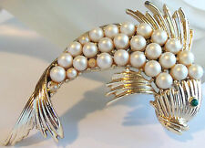 VINTAGE CORO GOLDPLATED PEARL FISH BROOCH ESTATE JEWELRY VINTAGE 50's Figural