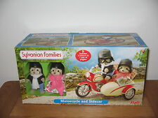 SYLVANIAN MOTORCYCLE / MOTORBIKE AND SIDECAR  WITH RACOON GRANDPARENTS BNIB