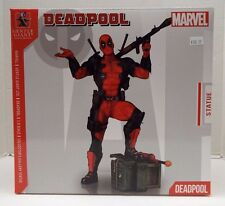 Gentle Giant Deadpool 1:8 Scale Statue with CoA New / Marvel Collector's Gallery