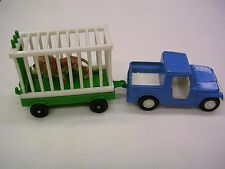 1969 Tootsietoy Hitch-Ups Jeep And Cage Trailer with Lion,VERY RARE ! NO RESERVE