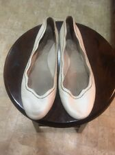 Juicy Couture Size 8 M Ivory Women's Leather Inside/outside Ballet Flat Shoes