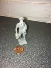 VINTAGE LEAD TOY FIGURE OF MAN IN BUSINESS SUIT LINCOLN LOG USA TRAIN PLATFORM