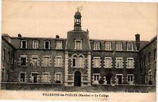 CPA  Villedieu-les-Poéles(Manche) - Le Collége   (246243)