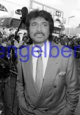 ENGELBERT HUMPERDINCK #15,STUDIO PHOTO,closeup,GETTING STAR,WALK OF FAME