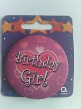 HAPPY BIRTHDAY BIRTHDAY GIRL LOVE HEARTS BADGE ROUND PINK GIRL PIN CLIP ON CARD