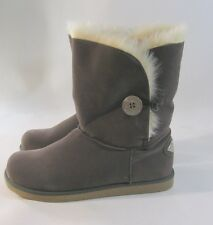 NEW GRAY Winter comfortable flat ankle boot fur inside/ button    size   7.5 P