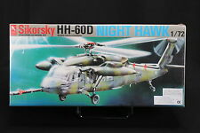 XF084 HOBBY CRAFT 1/72 maquette helico HC2201 Air Force Sikorsky HH-60D night