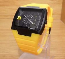 Mens Detomaso Sandro Black Dial DT2003-D Bright Yellow Rubber 50m Sports Watch