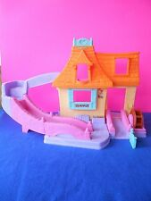 Fisher Price Little People Princess Belle's Cottage Klip Klop Disney