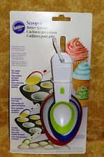 Batter Spoon,Scoop-it,Wilton,White Plastic,measurement,Cake Decorating,2103-1112