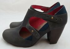 "ESSKA WOMAN'S DARK BLUE SHOES WITH 3"" STACK HEEL, UK 4 EUR 37"