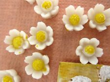 Vintage Flower Cabochon Daisy Painted Plastic Ivory Yellow Japanese 6mm