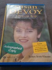 SUSAN DEVOY SIGNED BOOK. OUT ON TOP. NEW ZEALAND SQUASH LEGEND.