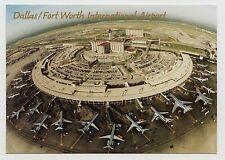 POSTCARD - Dallas Fort Worth International Airport, airplanes aeroplanes planes