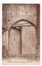 angles-sur-l'anglin  la porteaux 800 clous,entrée principale du vieux chateau