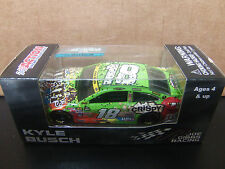 2016 issue Kyle Busch 2015 M&M's Crispy Homestead WIN 1/64 NASCAR w/ Confetti