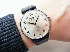 BEAUTIFUL CONDITION SWISS OMIKRON SMALL SECOND VINTAGE WRISTWATCH FROM 1960'S!