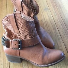 BCBG Size 7.5 Genuine Leather Ankle Boots Bootie Chain Harness Cowboy Short LN
