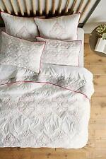 NEW ANTHROPOLOGIE 3PC Besalu Coverlet Queen Embroidered Pink Quilt 2 Euro Shams