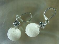 14 mm Edelstein Ohrhänger Ohrringe Earring weiße Koralle m. Brisuren rhodiniert